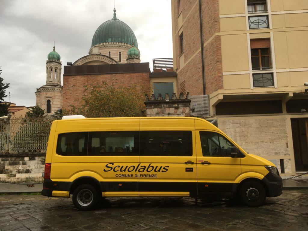 Scuola Nathan Cassuto: si parte con lo scuolabus!