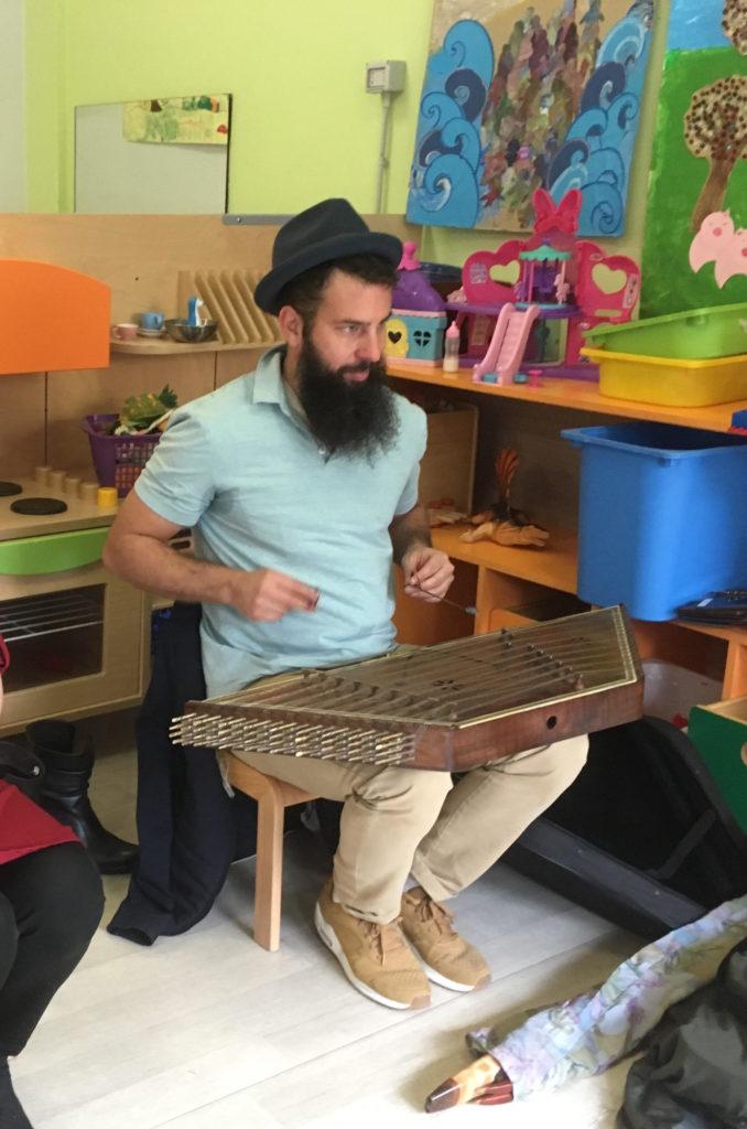 Scuola Nathan Cassuto: si fa musica con amici venuti da lontano
